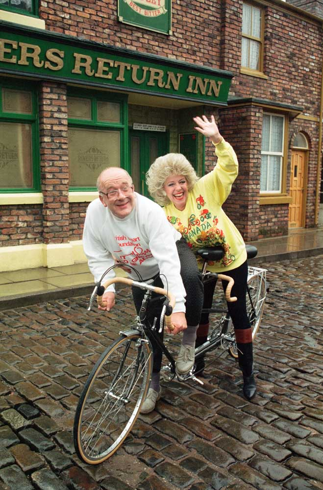 Licensees Bet and Alec Gilroy (Julie Goodyear and Roy Barraclough), February 1990