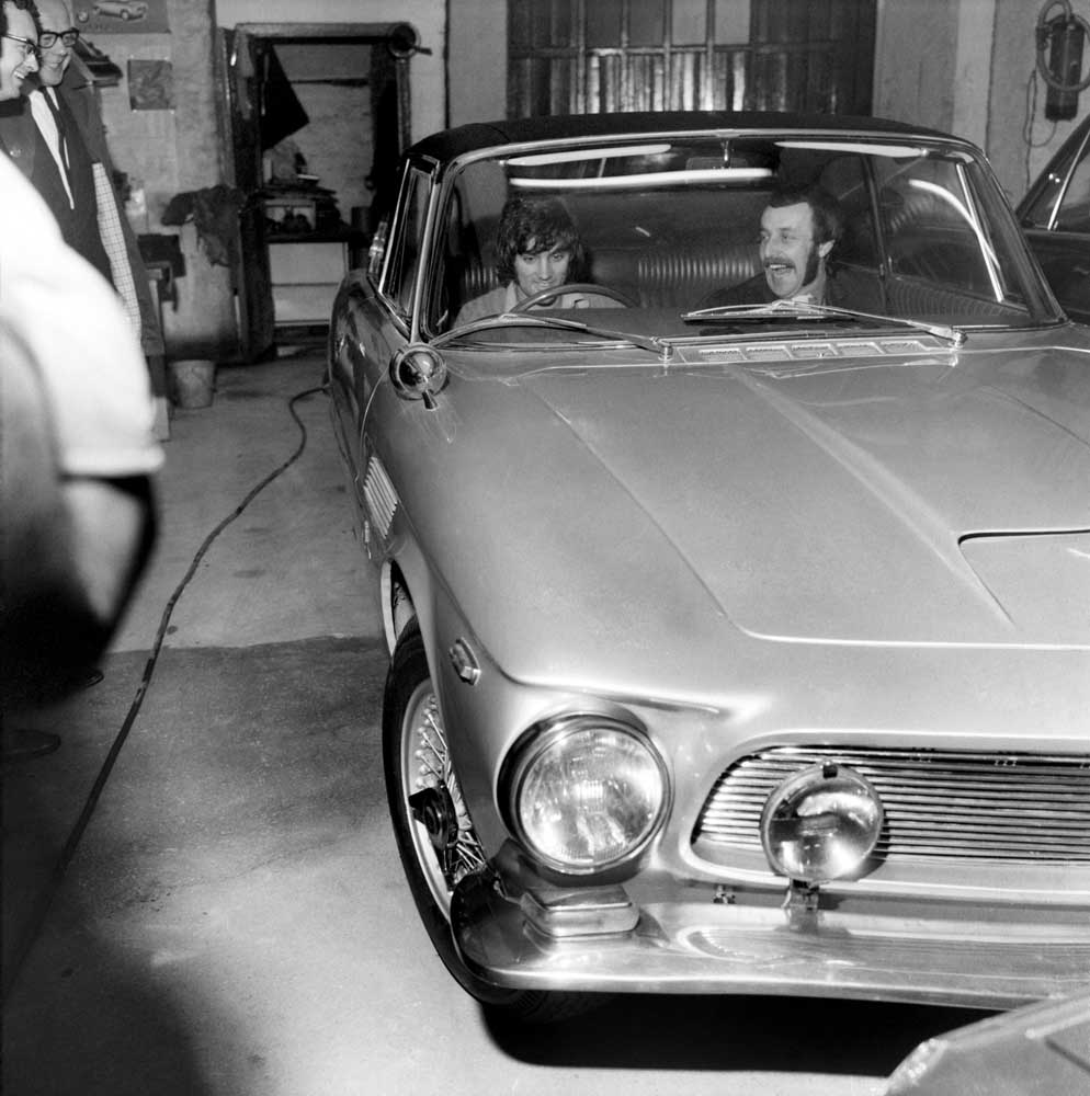 George Best gets behind the wheel of his exotic new Iso Rivolta, February 1969