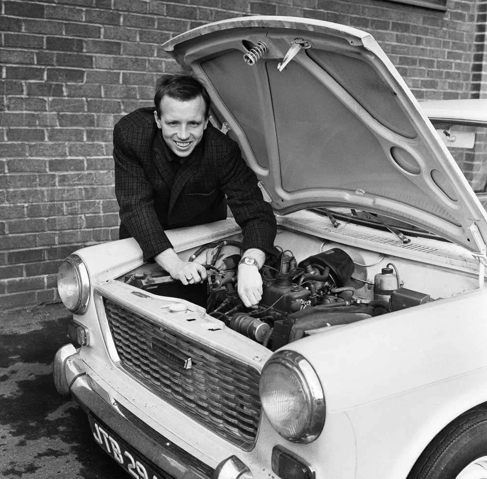 Nobby Stiles encounters engine trouble after football training, March 1965