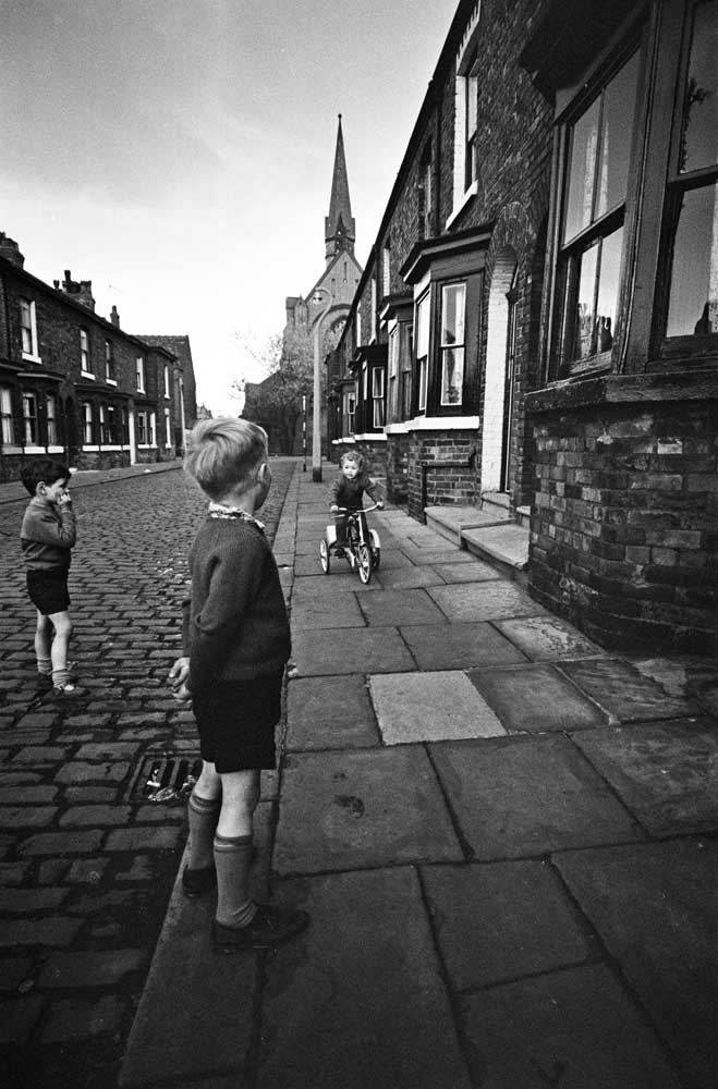 Archie Street with St Clement's Church in the background, June 1967