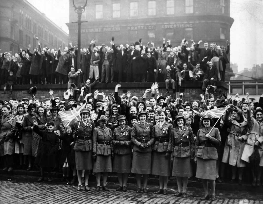 Massed revellers in Manchester city centre, May 1945