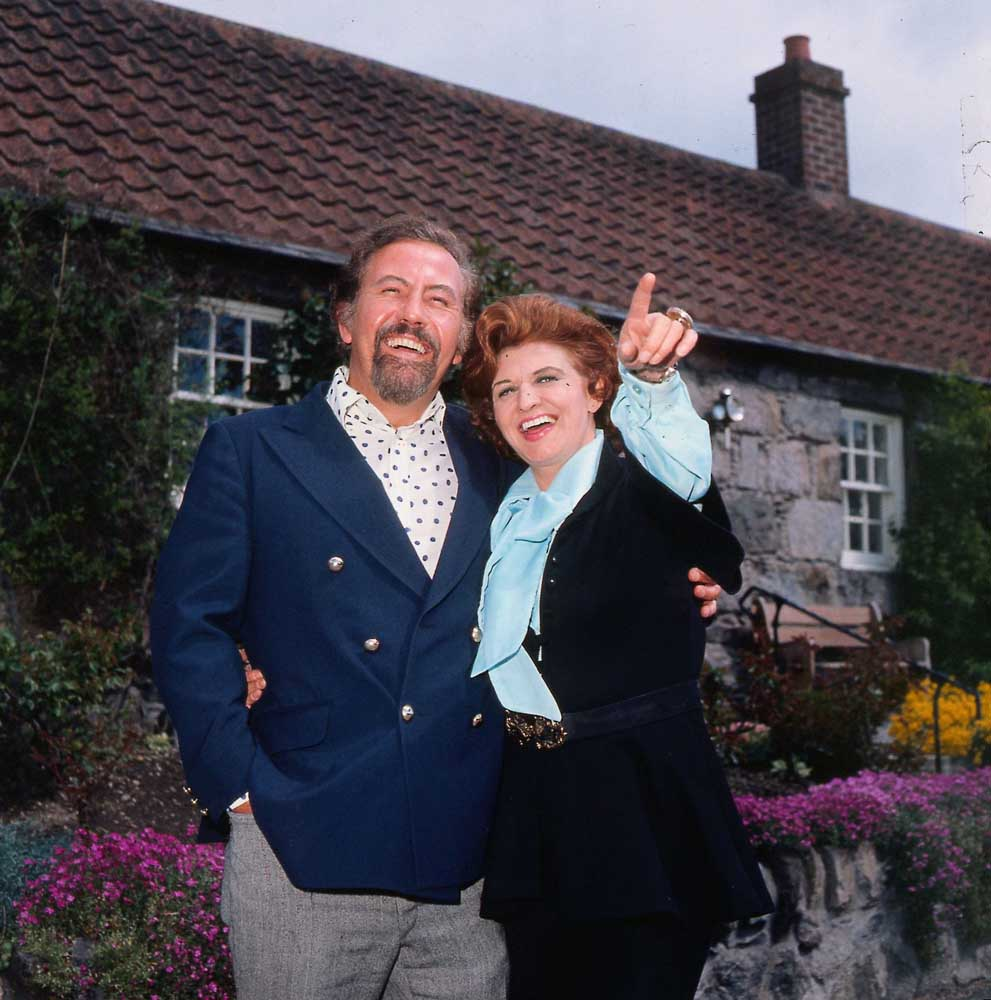 Pat Phoenix in jubilant mood with her husband Alan Browning