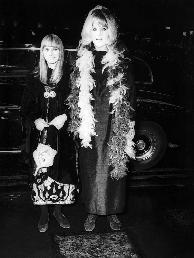 Lynn Redgrave, right, and Rita Tushingham at the premiere of Smashing Time, December 1967
