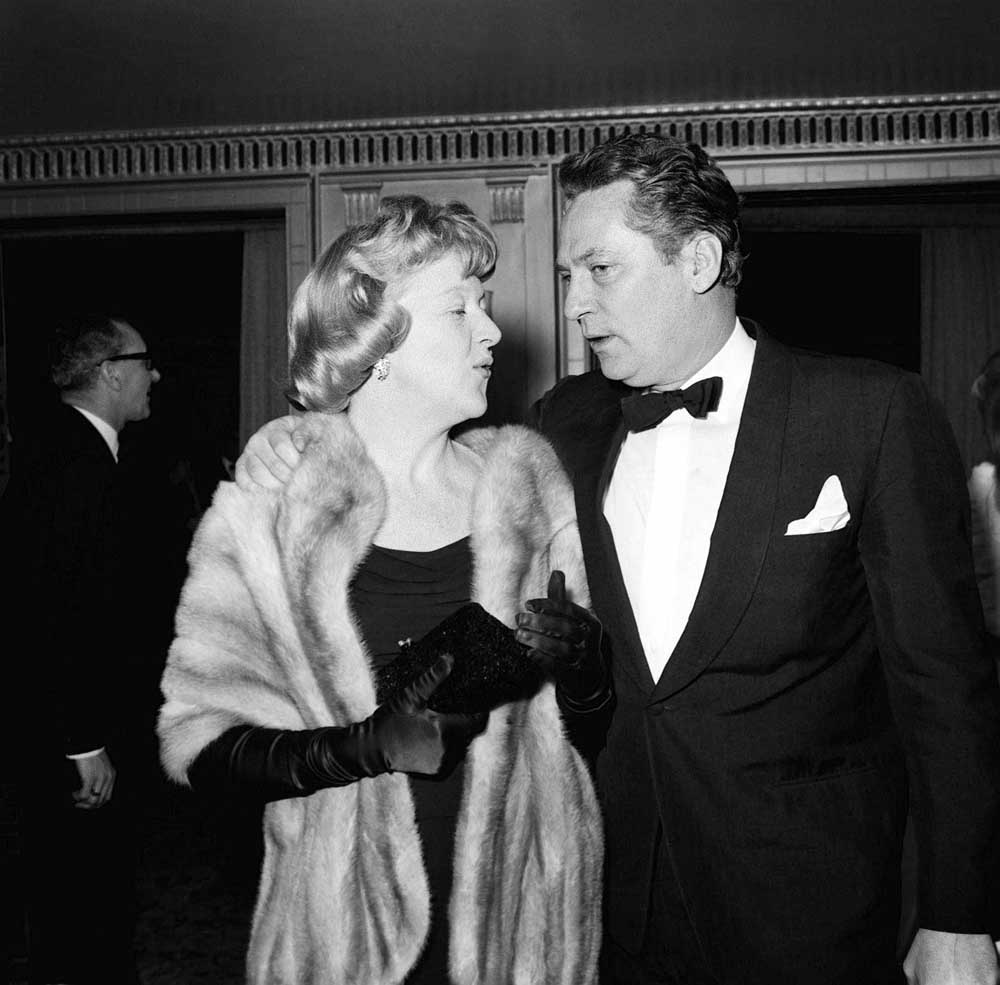 Dora Bryan and Peter Finch at the BAFTA gala night, March 1962