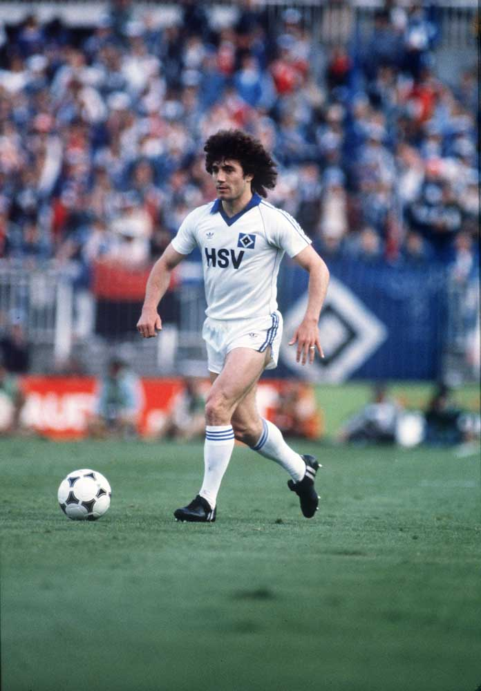 Kevin Keegan in action for Hamburg against Nottingham Forest, May 1980