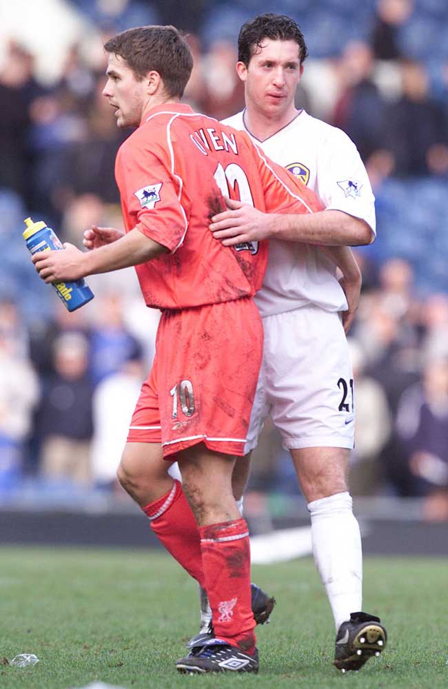 Michael Owen with Leeds striker and former Red Robbie Fowler, February 2002