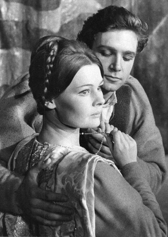 A young Judi Dench in Romeo and Juliet, October 1960