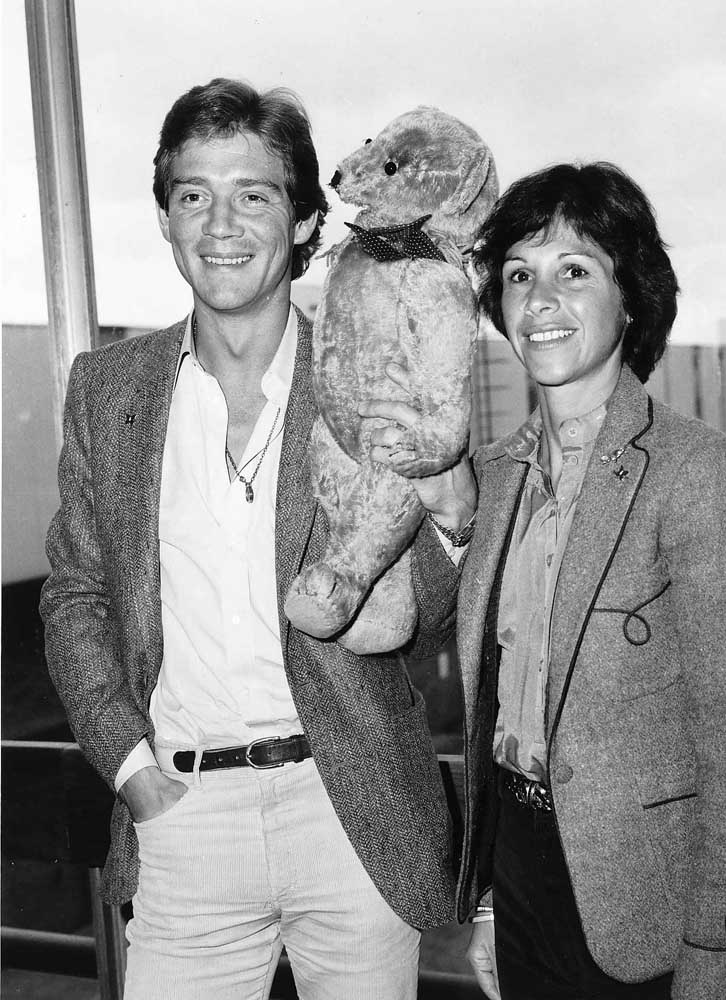 Anthony Andrews of Brideshead Revisited with his wife Georgina Simpson, January 1982